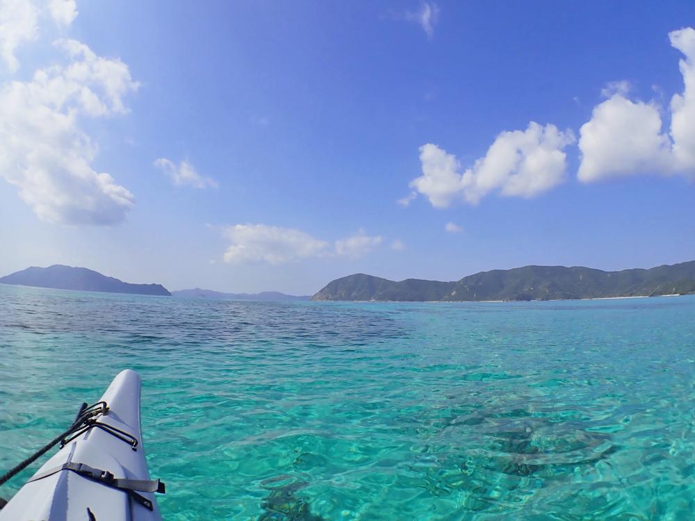 加計呂麻シーカヤック。カヤックの上から眺める海。